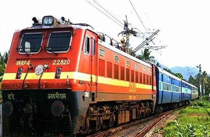 पूर्वोत्तर रेलवे की कई ट्रेनें यात्रियों की कमी के चलते निरस्त