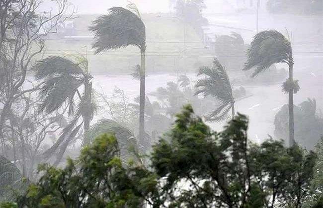 तौकते तूफान हुआ विकराल, कर्नाटक में चार की मौत