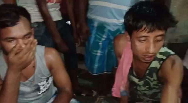गांव वालों ने ड्रग्स तस्करों को पकड़कर पुलिस को सौंपा
