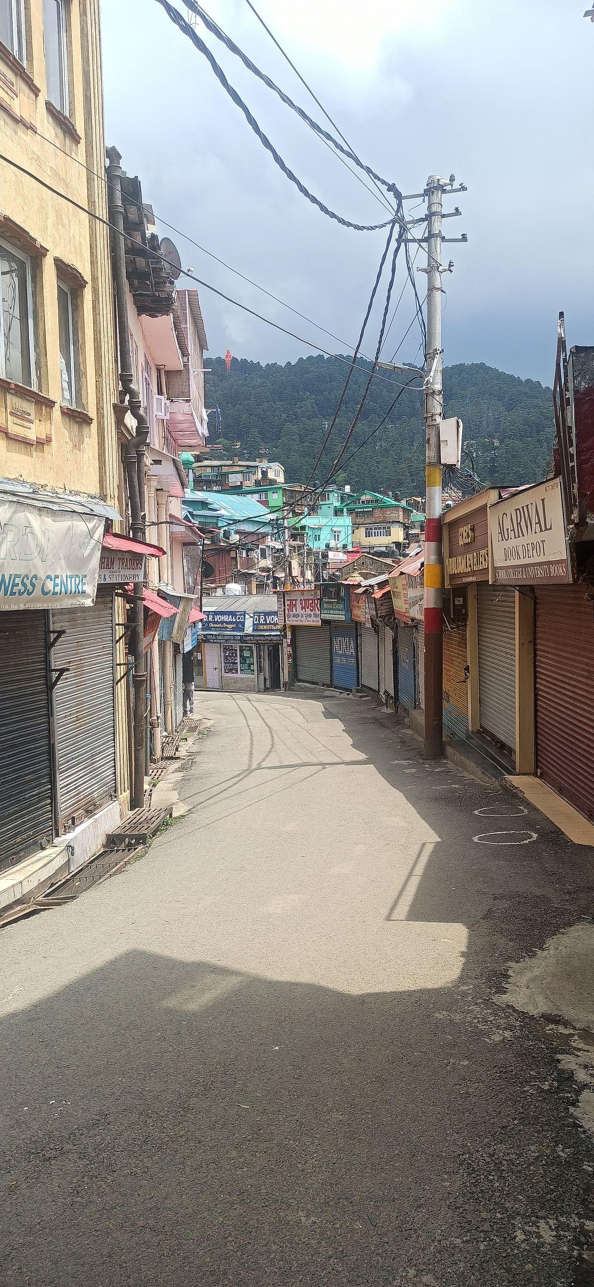 हिमाचल : कोरोना कफर्यू के पहले दिन बाजारों में पसरा सनाटा