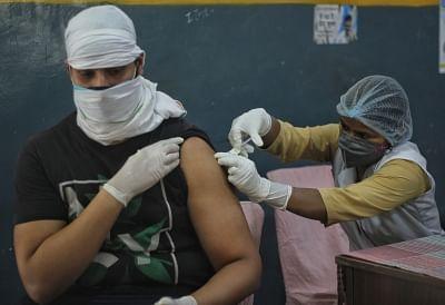 यूपी में कोरोना से बचाव के लिये पत्रकारों और उनके परिवार को लगेगी वैक्सीन