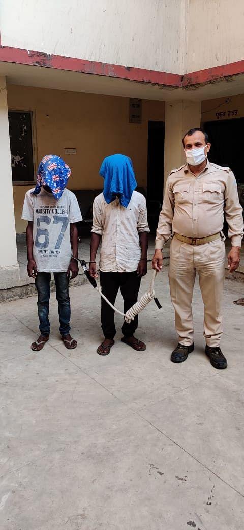 चोरी मामले में दो गिरफ्तार, सामान बरामद