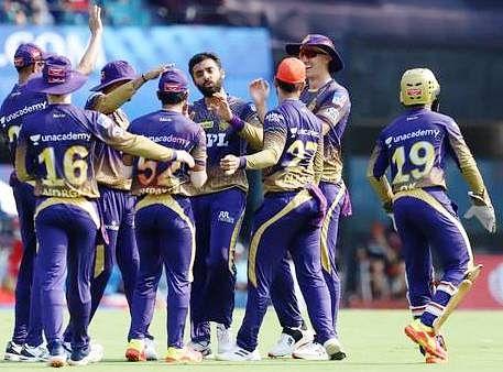 अपडेट-आईपीएल पर भी टूटा कोरोना का कहर, केकेआर-आरसीबी का मैच स्थगित