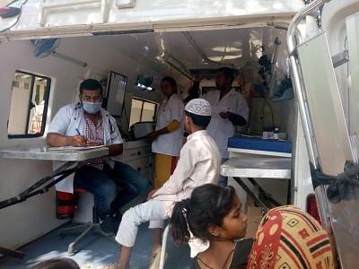कोरोना संकट में समान्य मरीजों की उम्मींद बनी मोबाइल मेडिकल यूनिट, दरवाजे पर पहुंची ओपीडी