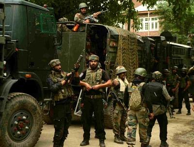 श्रीनगर में ग्रेनेड हमले में तीन घायल