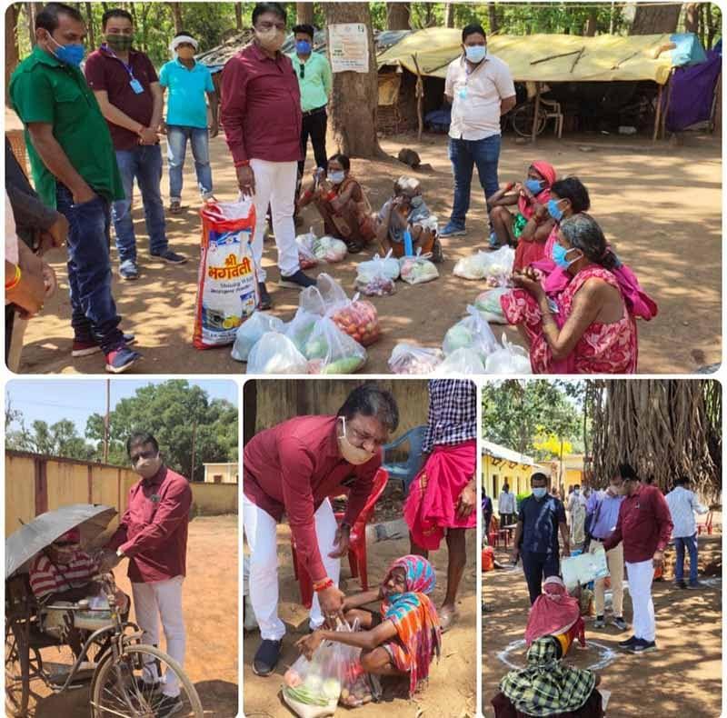 जगदलपुर:विधायक रेखचंद ने आठ गांवों में वितरित किया खाद्यान्न सामग्री