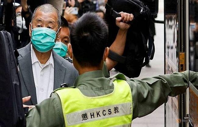 राष्ट्रीय सुरक्षा कानून का उल्लंघन करने पर जिम्मी लाई और नौ अन्य को जेल की सजा.