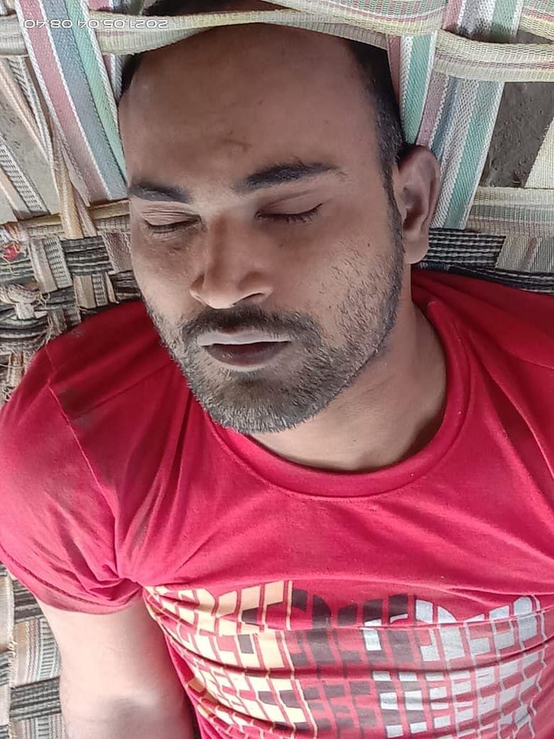 बगहा के बथुवरिया थाना के वृति टोला में  युवक का शव मिला, जांच मे जुटी पुलिस