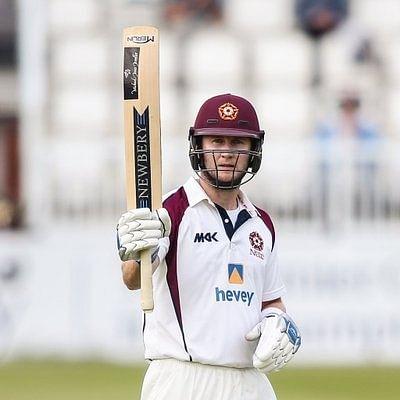 नॉर्थहैम्पटनशायर के बल्लेबाज वाकेली ने सभी प्रारूपों से संन्यास लिया