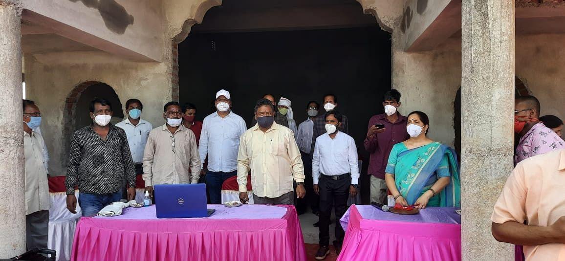 टीकाकरण को लेकर अफवाहों और भ्रांतियों को दूर करने की आवश्यकता: अर्जुन मुंडा
