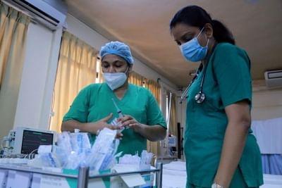 श्रीलंका में बढ़ते मामलों के बीच 6 कोविड वेरिएंट सामने आए