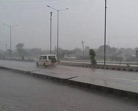 सौराष्ट्र के कई क्षेत्रों में भारी बारिश से फसलों को हुआ नुकसान