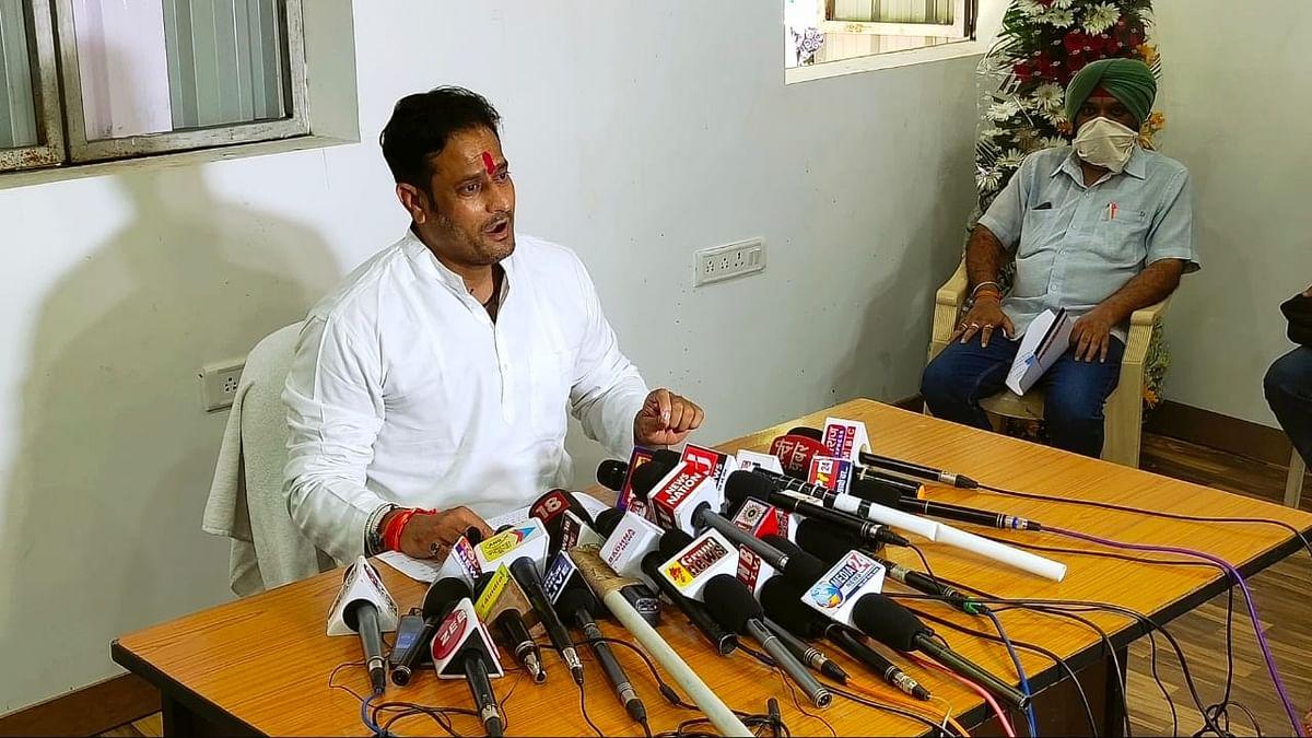 रायपुर- विकास उपाध्याय का तंज, विदेशी मीडिया भाजपा से मैनेज नहीं हो पा रही है