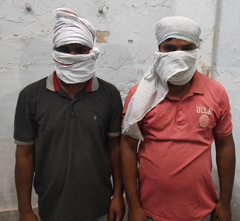 इंडेन गैस वितरण कर्मचारी से लूट करने वाले दो आरोपितों को पुलिस ने गिरफ्तार किया
