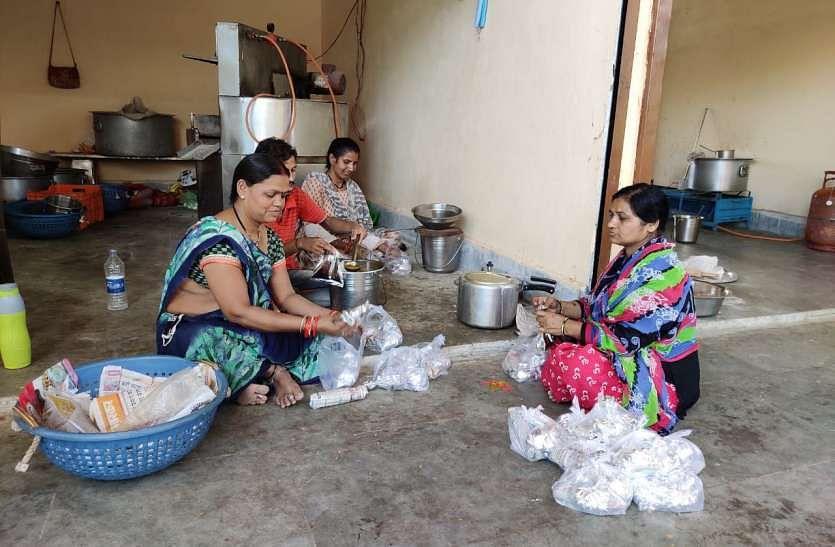 मध्य प्रदेश : दीनदयाल रसोई में एक अप्रैल से अब तक 12 लाख से अधिक लोगों को भोजन वितरित