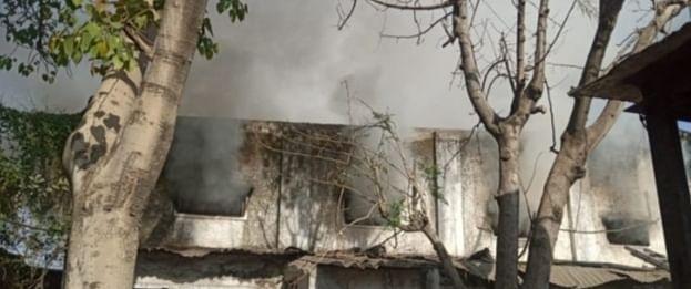 कपड़ा बनाने वाले कारखाने में लगी भीषण आग, कड़ी मशक्कत के बाद आग बुझायी गई