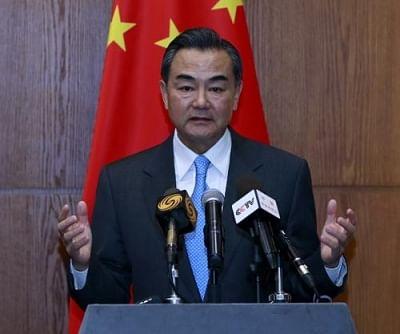 वांग यी ने पाक विदेश मंत्री कुरैशी के साथ फोन पर बात की
