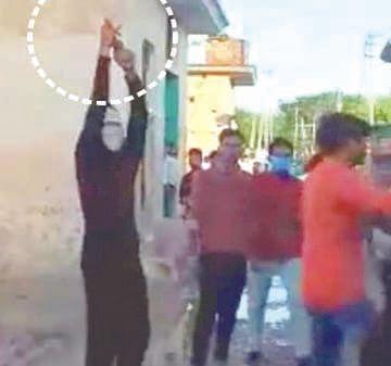 दो गुटों में झड़प, फायरिंग का वीडियो वायरल