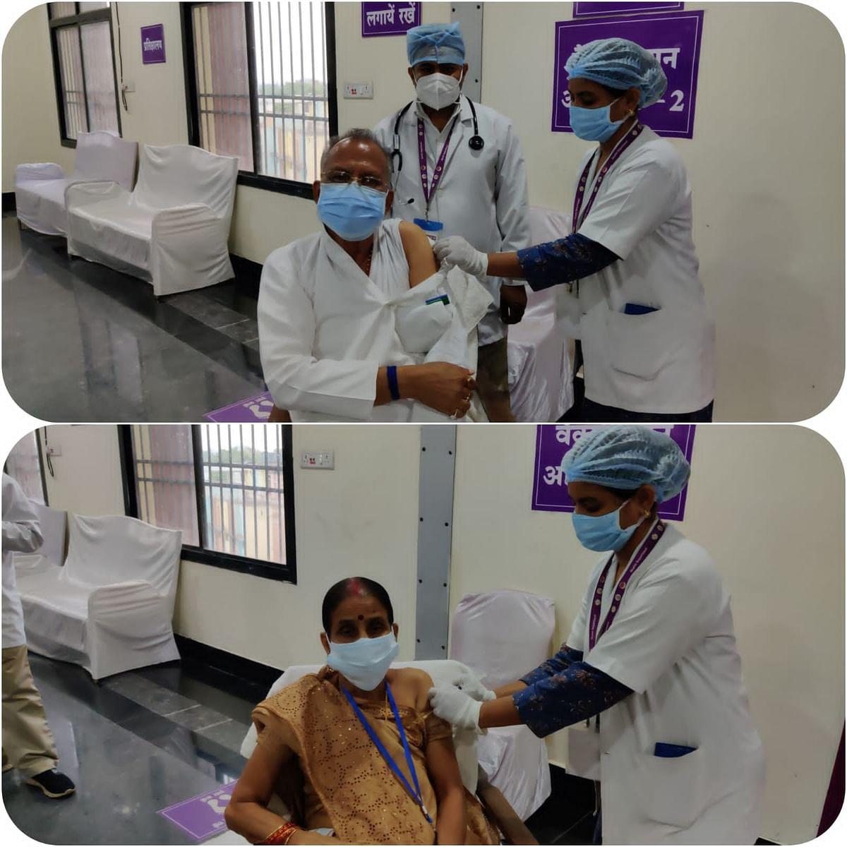 रायपुर : गृहमंत्री ताम्रध्वज साहू ने अपनी धर्मपत्नी के साथ लगवाया कोरोना वैक्सीन का दूसरा टीका