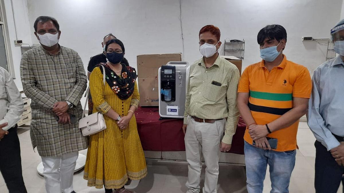 प्रगतिरथ संस्था ने जनता को समर्पित की पांच ऑक्सीजन कंसंट्रेटर मशीनें