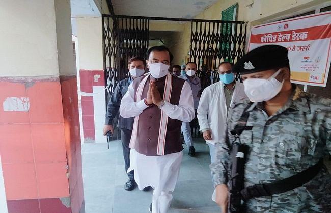 उप मुख्यमंत्री केशव प्रसाद मौर्य ने सीएचसी का किया औचक निरीक्षण