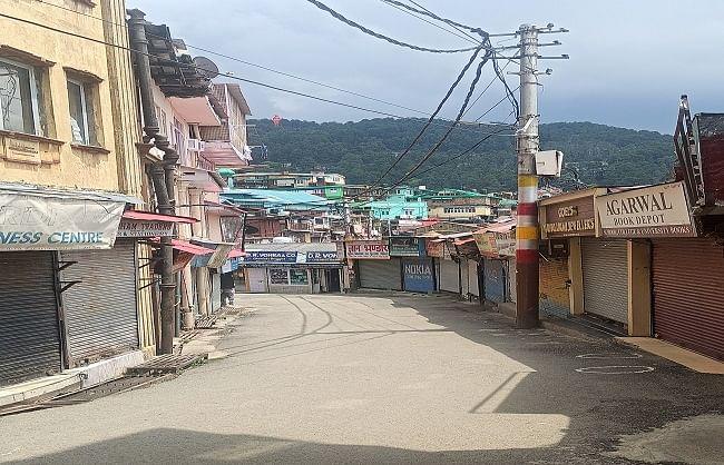 हिमाचल : कोरोना कर्फ्यू के पहले दिन बाजारों में पसरा सन्नाटा