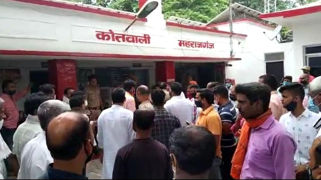 भाजपा नेता ने बात न मानने पर वीडीओ को जमकर पीटा