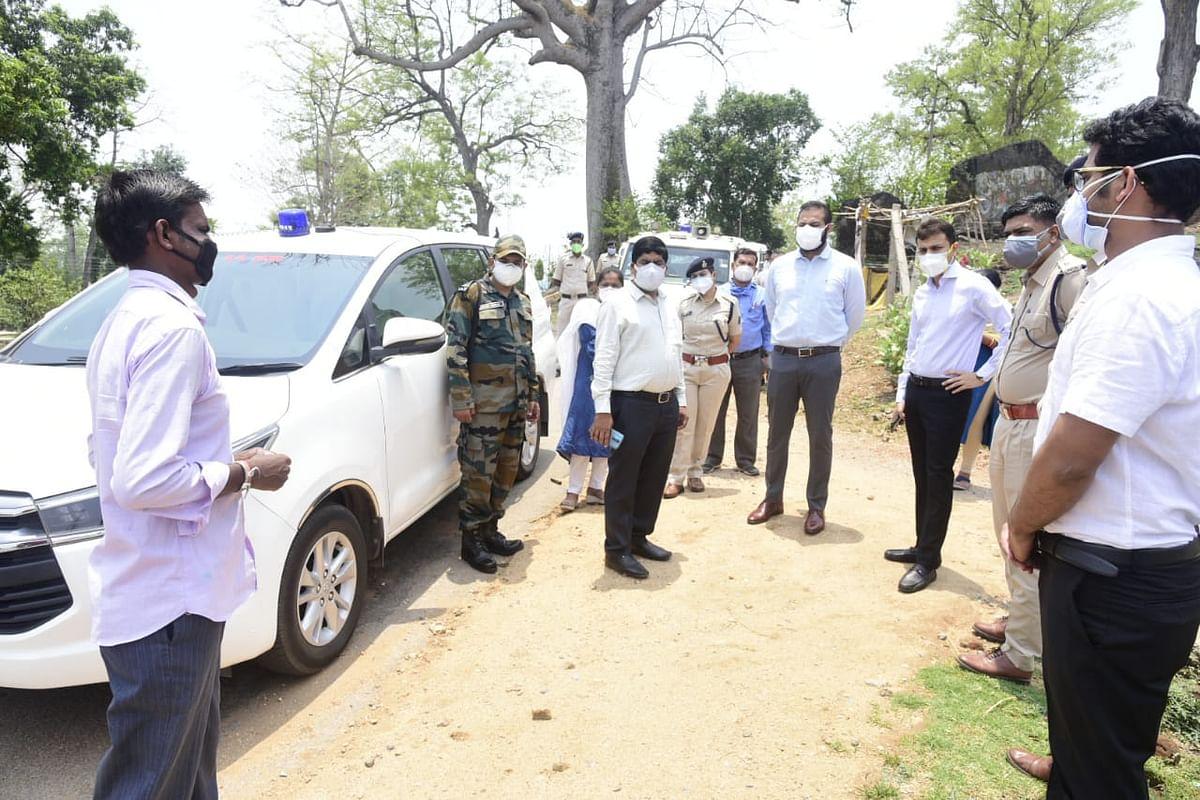बिलासपुर : कलेक्टर ने ग्रामीण क्षेत्रों में कोरोना स्तिथि का लिया जायजा, रतनपुर एवं कोटा में कोविड केयर सेंटर की देखी तैयारी