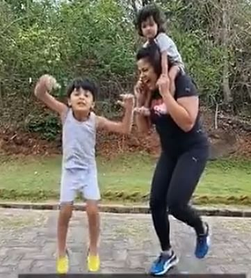 sameera-reddy-posted-fitness-video-for-fans