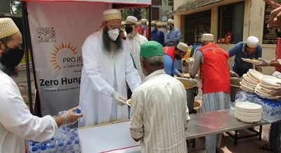 ईद मुबारक: कोविड से लड़ने के लिए सभी धर्मों के वॉलेंटियर एक साथ काम कर रहे