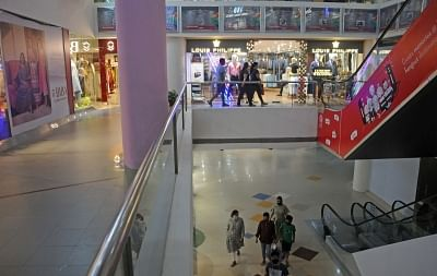 गुरूग्राम में ज्यादा कीमत लेने पर दुकानदारों को चेतावनी