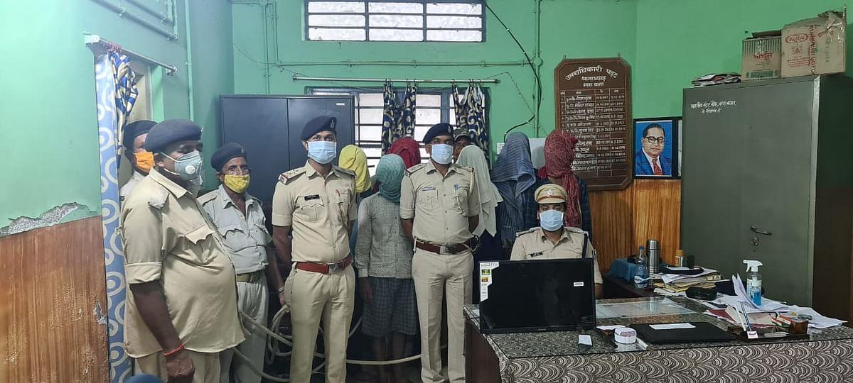पुलिस ने चोरी के सामान के साथ छह चोरों को किया गिरफ्तार