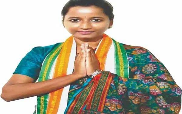 बड़कागांव विधायक अंबा प्रसाद के खिलाफ केस दर्ज