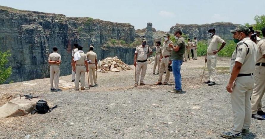 भोजपुर और रोहतास में एसपी व डीएफओ की कार्रवाई से बालू पत्थर माफियाओं के बीच हड़कम्प