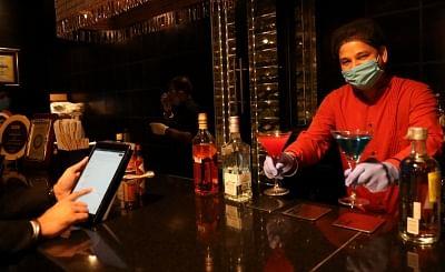 दिल्ली में रेस्तरां, बार 50 प्रतिशत क्षमता के साथ संचालित होंगे: डीडीएमए