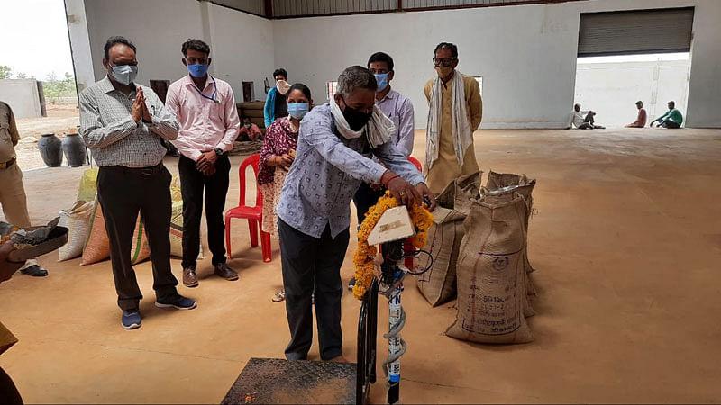 खरगौन जिले में पांचों केन्द्रों पर शुरू हुई मूंग खरीदी