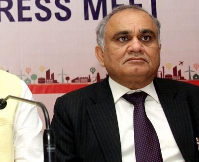 पूर्व आईएएस अधिकारी अनूप चंद्र पांडे ने चुनाव आयुक्त के तौर पर पदभार संभाला (लीड-1)