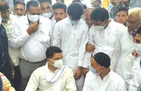 सचिन पायलट पहुंचे मंगलौर, विधायक काजी निजामुद्दीन को बंधाया ढांढस