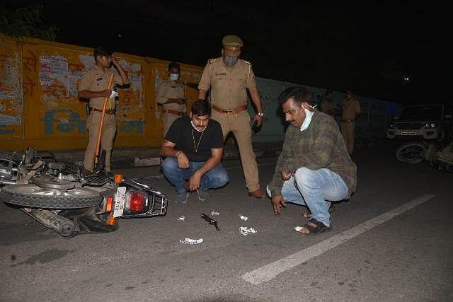 लखनऊ : पुलिस ने मुठभेड़ में पकड़े गए नौ डकैत