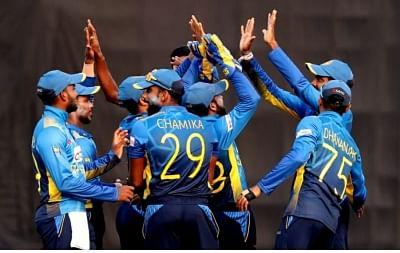 श्रीलंकाई क्रिकेटर्स बिना अनुबंध के इंग्लैंड का दौरा करने को तैयार