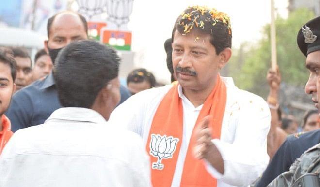 ममता सरकार में मंत्री रहे BJP नेता राजीव बनर्जी के बदले सुर, TMC के खिलाफ राष्ट्रपति शासन की धमकी का किया विरोध