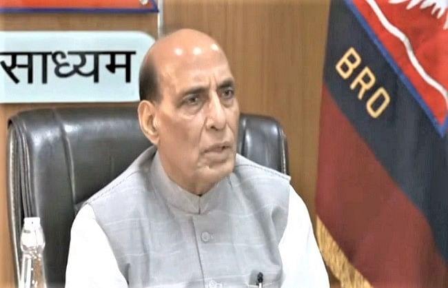 रक्षा मंत्री ने सड़क दुर्घटनाओं पर जताई चिंता, बताया- खामोश महामारी