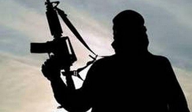जम्मू-कश्मीर के शोपियां जिले में आतंकवादियों ने सुरक्षाबलों पर किया हमला