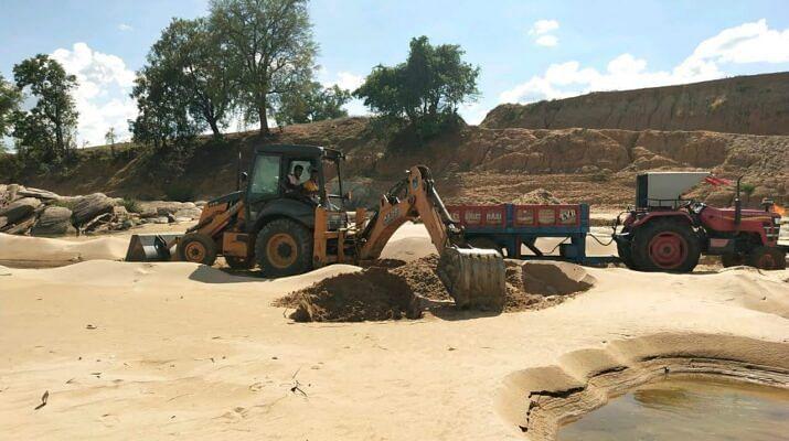 सुकमा : खनिज विभाग और रेत माफियाओं के मिलीभगत से हो रहा अवैध रेत उत्खनन : सुन्नम पेंटा