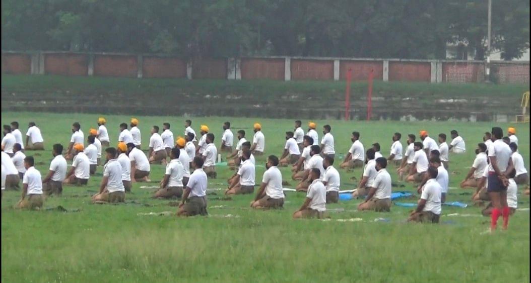 योग दिवस पर सेना के 453 जवानों ने किया योग