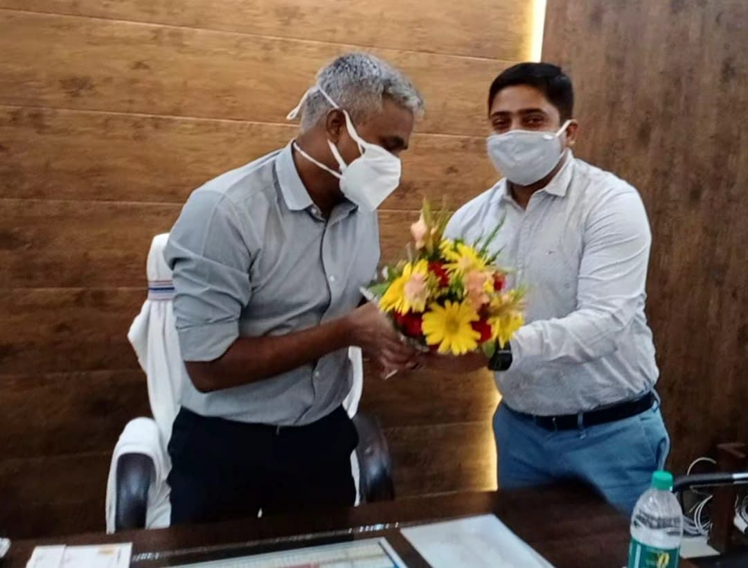 raigad-newly-appointed-commissioner-s-jayawardhan-took-charge-in-municipal-corporation