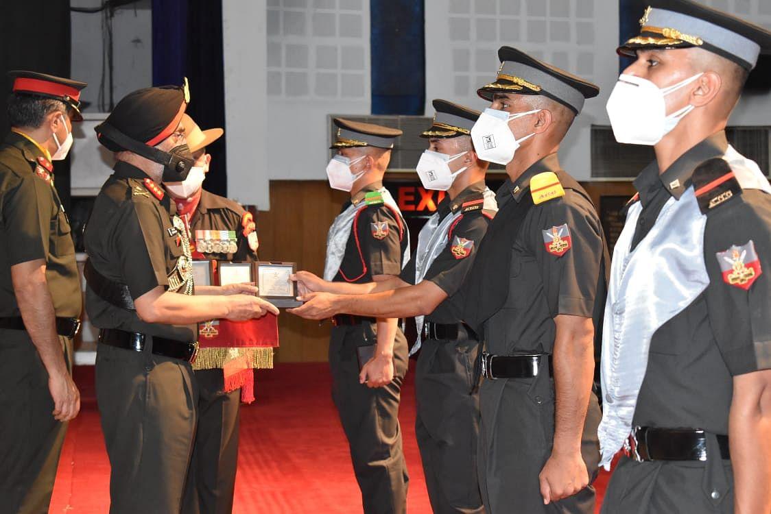 आर्मी कैडेट कॉलेज के 29 कैडेट ने उपाधि प्राप्त की