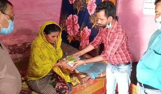 भोपाल के विपिन ने बनाया मेडिसिन बैंक, खुद के खर्चे से कर चुका है 500 से अधिक लोगों की मदद