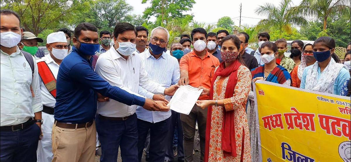 patwari-agitated-over-pending-demands