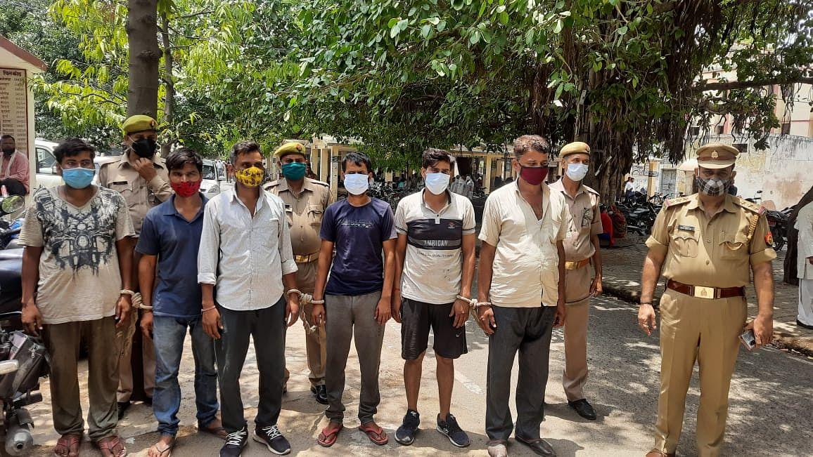 इटावा: मुठभेड़ में छह तस्कर गिरफ्तार, करोड़ों का गांजा बरामद